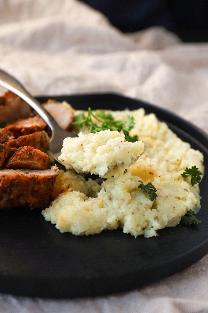 Vegan Cauliflower Mashed Potatoes Gf Low Carb Unconventional Cooks